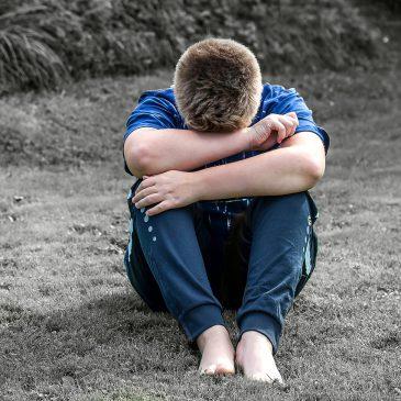 Waarom kinderen niet openstaan voor het verhaal van de verstoten ouder